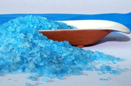 Морская соль от прыщей - средство, богатое полезными химическими элементами