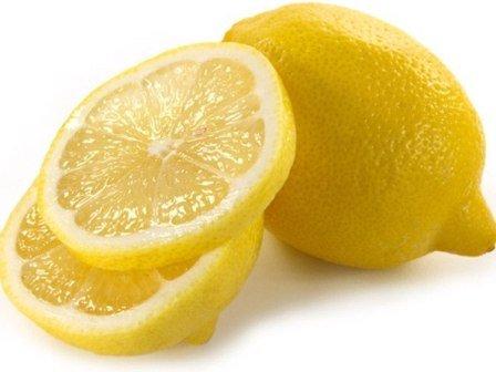 Как лимонный сок помогает от прыщей? В чем его основные свойства?