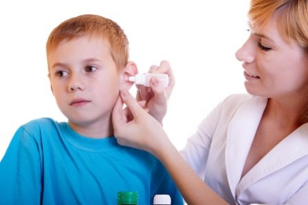 Как правильно лечить прыщи в ушах и прыщи за ушами у детей и взрослых?