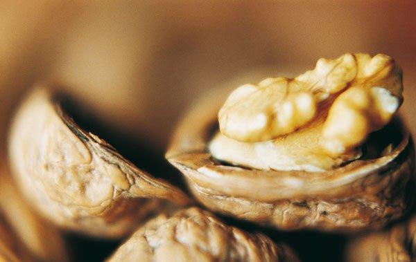 Основой для лечения кератом может стать и плод грецкого ореха