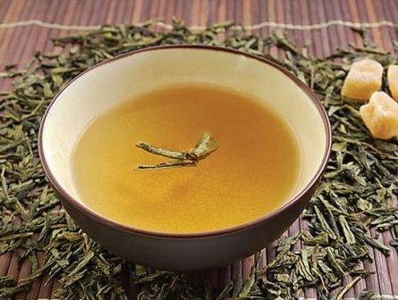 В комплексное лечение кератом народными средствами следует добавить и чай на основе репешка