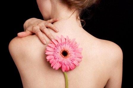 Прыщи на многих участках кожи могут иметь одни и те же причины, благодаря которым и появились