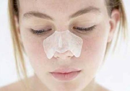 Как лечить прыщи на носу