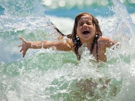 Купаться в море можно, но ребенок должен находиться в воде не более 10 минут