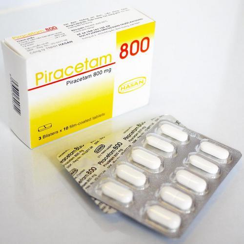 Пирацетам - ноотропный препарат, применяющийся при лечении дисциркуляторной энцефалопатии.