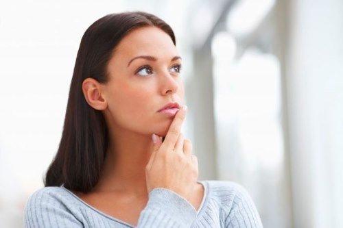 Гормональный дисбаланс – вызывает нарушения в целом организме