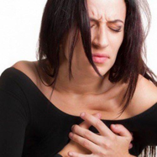 Острая и сильная боль в области сердца – основной симптом межреберной невралгии