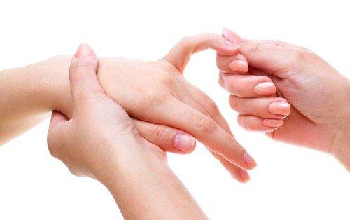 Онемение мизинца на левой руке
