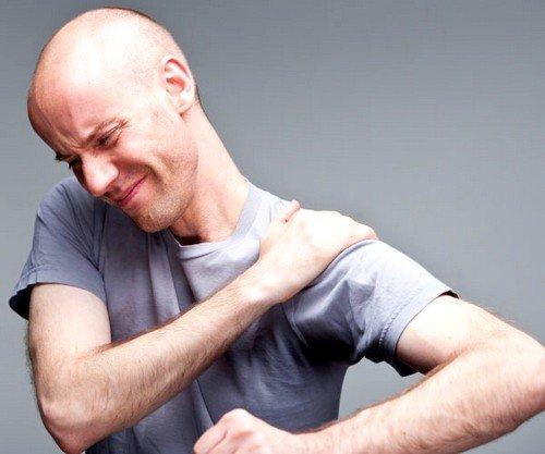 травмы как причина артроза плечевого сустава