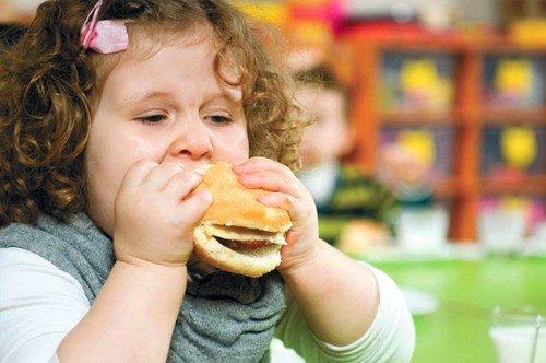 лишний вес как причина развития грыжи у детей