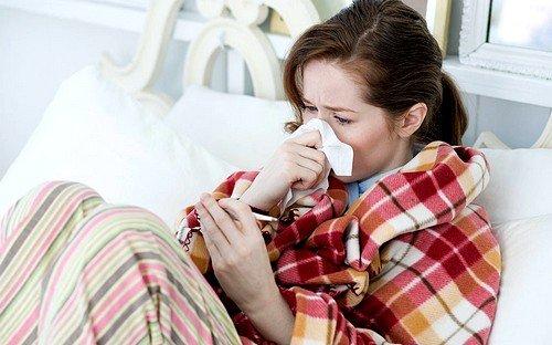 Простуда как возможная причина понижения температуры