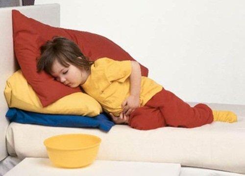 Пищевое отравление – частая причина боли в животе