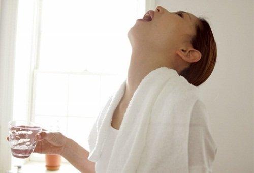 Правильная техника полоскания – усилит эффект содового раствора