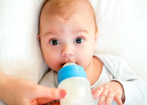 Аллергия как причина красных пятен у новорожденных