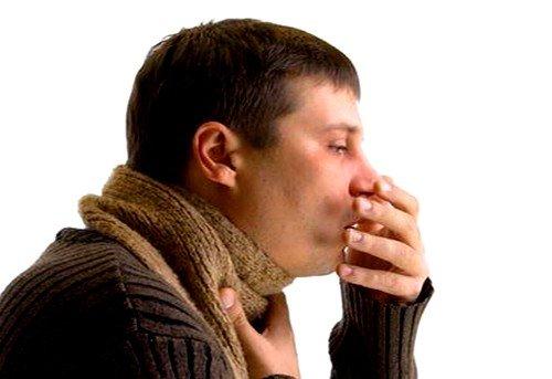 сильный кашель как один из признаков ларинготрахеита