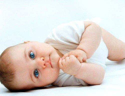 У малыша отмечается быстрая утомляемость, вялость