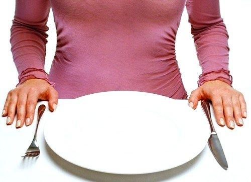 Во время обострения болезни, рекомендуется лечебное голодание