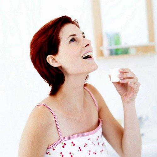 раствором разрешено полоскать глотку и миндалины не менее четырех раз за сутки