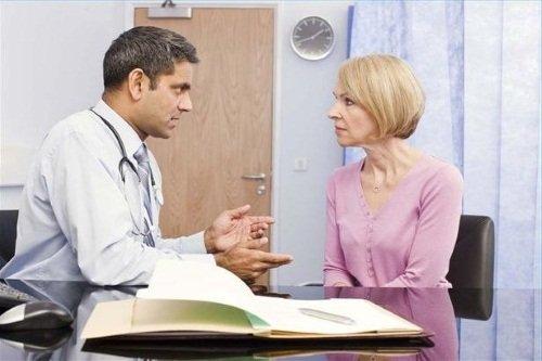 Консультация врача перед операцией по удалению матки
