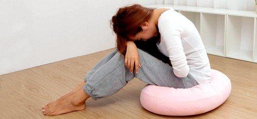 К возникновению предменструального синдрома могут привести различные причины
