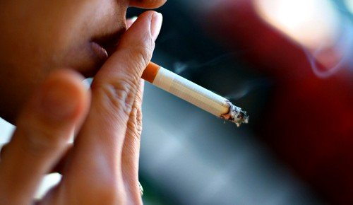 Курение вызывает развитие рака горла