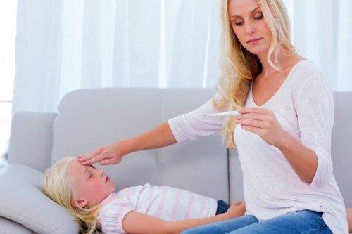 При повышении температуры у ребенка могут возникать судороги