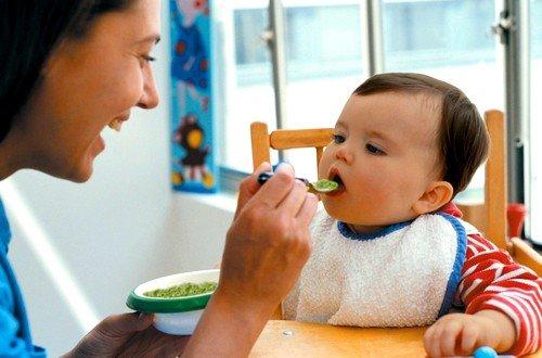 Основная причина – чаще всего неправильная организация питания ребенка