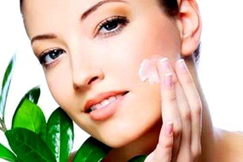 благодаря своему составу Пантенол способен ускорить процесс регенерации клеток кожи