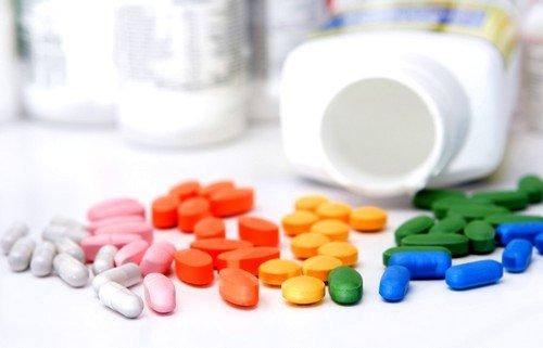 При лечении обязательны комплексы витаминов и минеральных элементов