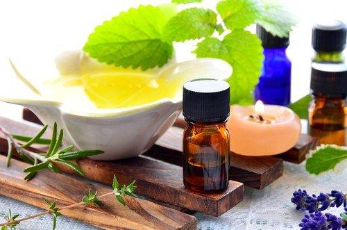 Хорошим антисептиком является масло чайного дерева