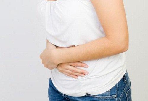 Дискомфорт под правым ребром – признак цирроза печени