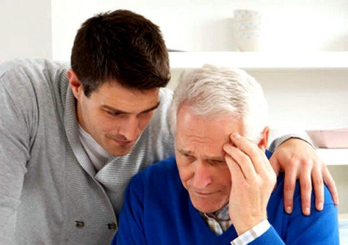 Болезнь Альцгеймера является причиной смерти людей в пожилом возрасте