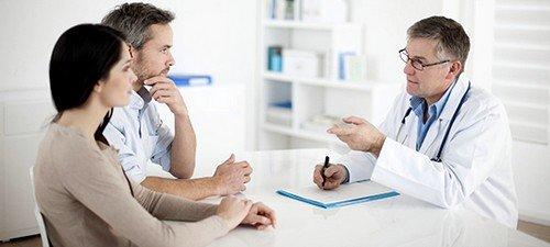 В период развития иммунодефицита организм пораженного мужчины ослабевает до такой степени, что любая легкая простуда для него может иметь летальный исход