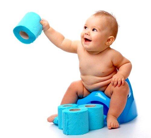 Если в рационе ребёнка первого года жизни были яблоки, бананы, черника, вишня, смородина,  каловая масса  может быть не только угольного, но и  зелёного оттенка