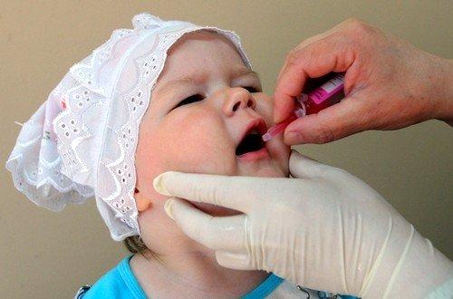 Современная иммунология использует 2 вида прививок: оральный (капли) и инактивированная вакцина