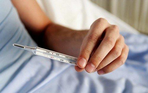 Невысокая температура после прививки от гриппа или покраснение в месте укола не должны пугать