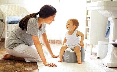 слизь с кровью в кале у ребенка может быть обусловлена присутствием в организме паразитов
