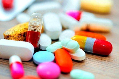При открытой форме заболевания назначают антибиотики