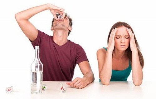 Алкоголизм разрушает жизни людей