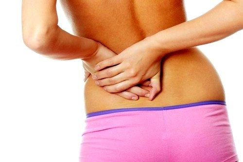 Продолжительная боль в боку или внизу спины, имеющая ноющий и тупой характер