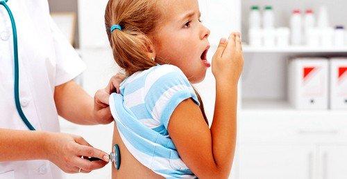 Пневмония – одно из самых частых осложнений детского бронхита