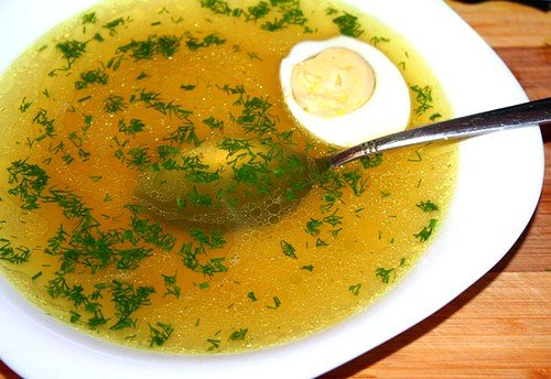 Включение в рацион куриного бульона и супа