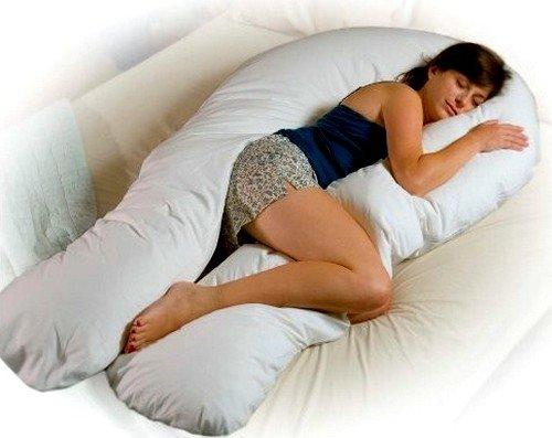 Большинство склоняются к U-образной подушке