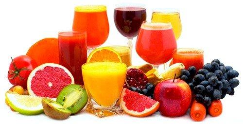 Пить можно соки из овощей и фруктов, различные отвары и компоты