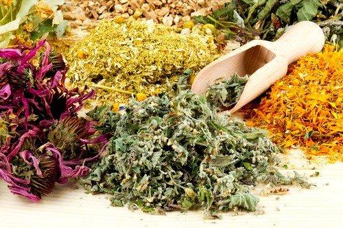Народная медицина включает массу рецептов на основе природных ингредиентов