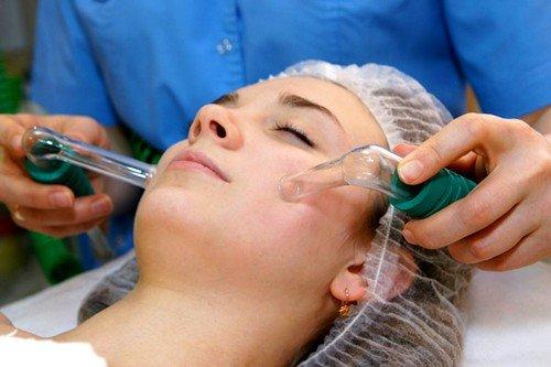Вакуумный массаж лица – это воздействие вакуумом на конкретные участки кожи