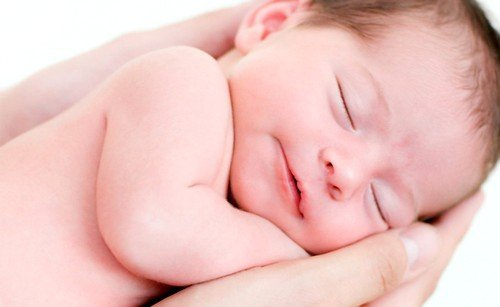 После кормления ребенка, не рекомендовано сражу же сцеживать молоко