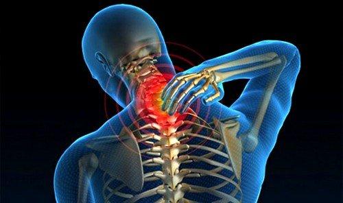 Растягивающаяся боль в спине и шее
