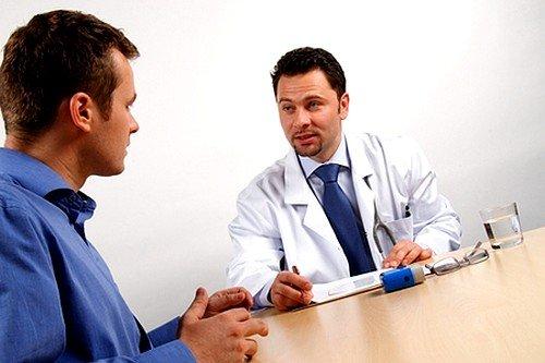 При выраженных симптомах колита необходимо обязательно обратиться к врачу