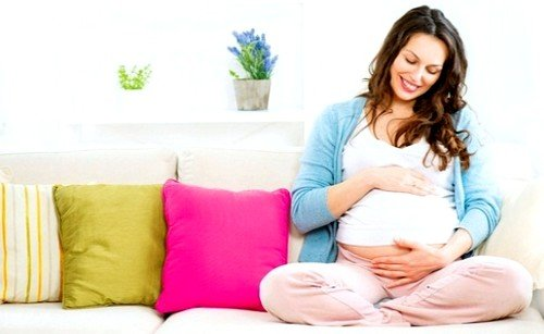 В связи с огромным количеством эстрогенов существенно меняется и выделяемая у женщины слизь